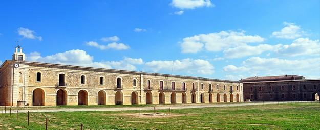Patio de armas del Castillo de Sant Ferran, Figueres