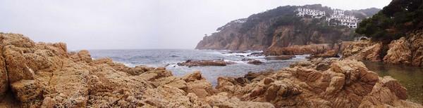 Vista panorámica de la Cala Aiguaxelida, en Begur, Costa Brava