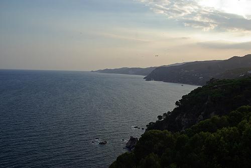 La vista del mirador de Sant Elm hacia el sur de la Costa Brava es espectacular