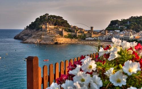 Amanecer sobre la Vila Vella de Tossa de Mar, Girona, Costa Brava