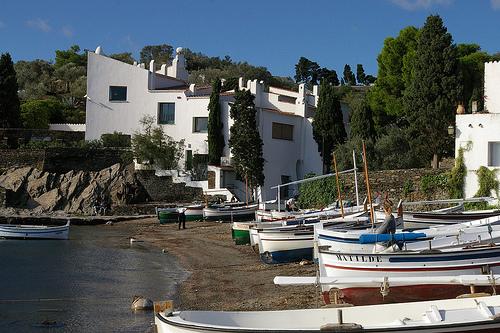 La Casa-Museo Dalí, en la orilla de la bahía de Portlligat, en Cadaqués, Costa Brava