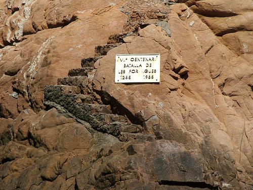 Placa conmemorativa de la Batalla de las Islas Formigues