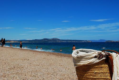 La playa del Racó es una amplia extensión de arena media que permite la práctica de muchas actividades