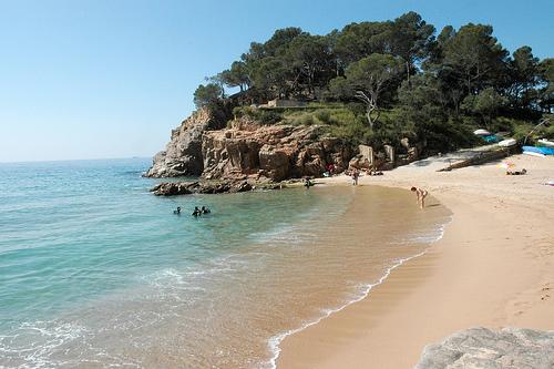 La Cala Canyet se encuentra en Santa Cristina d'Aro, en Girona, Costa Brava