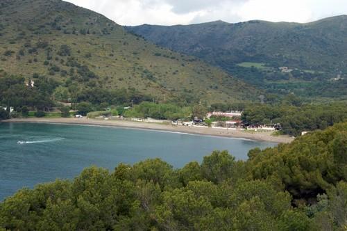 La maravillosa playa de Cala Montjoi, en Roses, Girona, Costa Brava