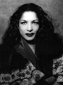 Retrato de una joven Carmen Amaya
