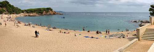 Cala Sa Conca es una playa muy familiar y popular en la zona de Platja d'Aro