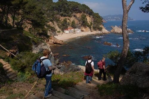 La Cala el Crit, en Mont-ràs, Costa Brava, es una cala vírgen que esconde es su nombre una dramática leyenda