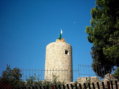 El Castillo de Sant Joan, junto a la playa de Fenals