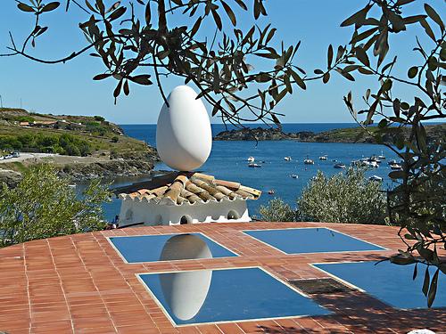 Bahía de Portlligat desde el techo de la Casa Museo Dalí, en Cadaqués