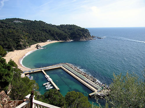 Vista panorámica de Cala Canyelles, en Lloret de Mar, Girona, Costa Brava