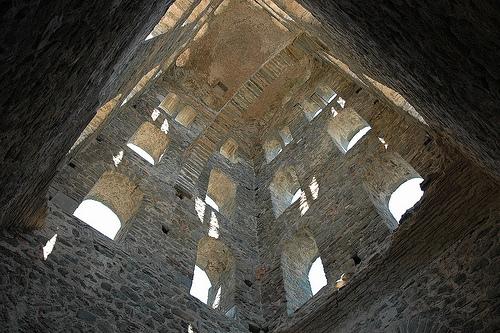 Interior del campanario del monasterio de Sant Pere de Rodes