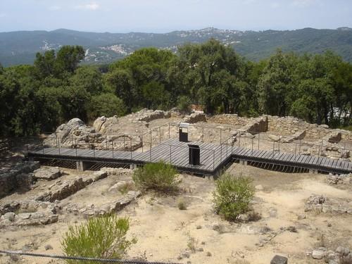 El poblado ibérico de Puig Castellet se encuentra muy bien acondicionado para el disfrute de los visitantes