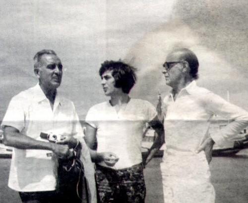 Joaquín Ruiz Giménez, Joan Manuel Serrat y Alberto Palau Fabra en los años 60, en Palamós, Costa Brava