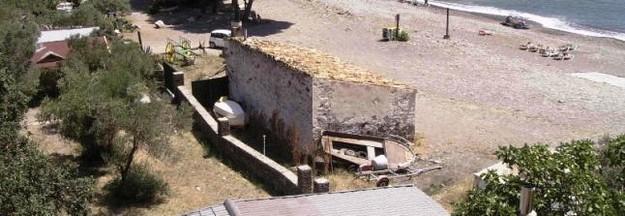 Una barraca de pescadores similar a ésta, en Cala Jòncols, es la que encontramos en Cala Pelosa