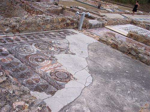 Los mosaicos de la Villa Romana dels Ametllers son la prueba de una pasado glorioso sobre Tossa de Mar