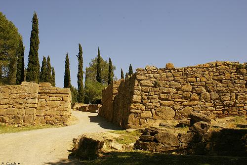 Las excavaciones efectuadas en Ullastret nos han desvelado un auténtico poblado íberico antiguo