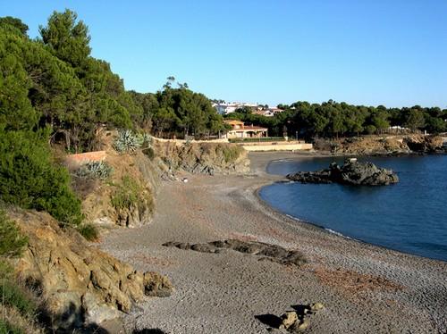 La Playa de la Farella, en Llançà, Girona, Costa Brava