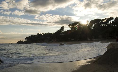 Puesta de sol en la Playa de Can Cristos, en Calonge, Costa Brava