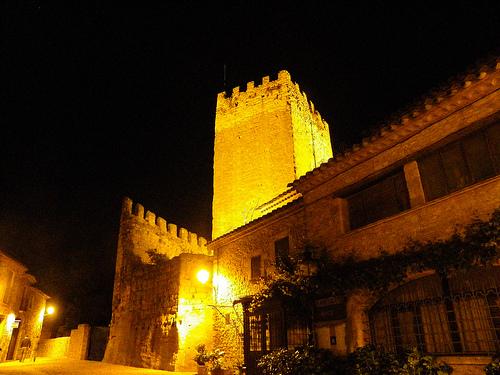 Torre de l'Homenatge, la conocida torre del Castillo de Peratallada