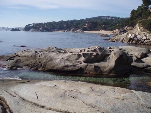 Al sur de la Cala de Roques Planes encontramos la bella Playa de Can Cristus, también en Calonge, Costa Brava