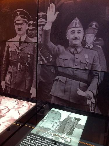 El museo es una excelente oportunidad para explorar la historia de Europa de entreguerras. En la foto Hitler y Franco