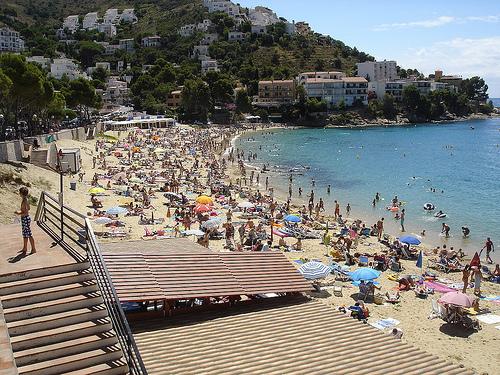 La platja de Canyelles Petites es ciertamente una playa muy animada y familiar
