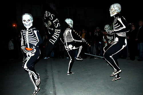 La Danza de la Muerte, durante la Semana Santa, en Verges, Girona, Costa Brava