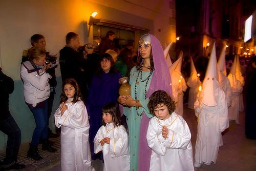 La Danza de la Muerte en una celebración muy arraigada en Verges, donde la que la mayor parte de familias de la localidad forman parte de ella