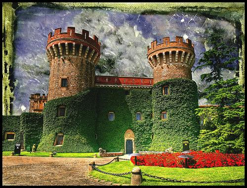 Los jardines del Castillo de Peralada son el fabuloso escenario de la mayoría de conciertos que se celebran las veladas de veranos