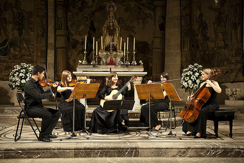 Dadas sus excelentes condiciones acústicas es en la Iglesia del Carme del Castillo donde se celebran algunos de los conciertos de cámara