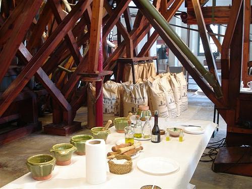 Durante el recorrido por la exposición podremos saber qué ingredientes se utilizan en los diversos productos elaborados en la fábrica: pan, galletas, pizzas, etc.