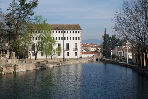 El Ecomuseo Harinera se encuentra a la orilla del río Muga, en Castelló d'Empúries, Girona, Costa Brava