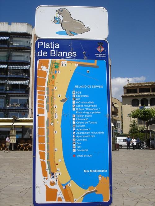 La Playa de Blanes goza de muy buenos servicios dedicados a sus bañistas y está adaptada a minusválidos