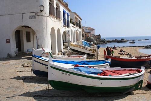 Nuestro recorrida hacia Llafranc por el camino de ronda comienza en la Playa del Canadell