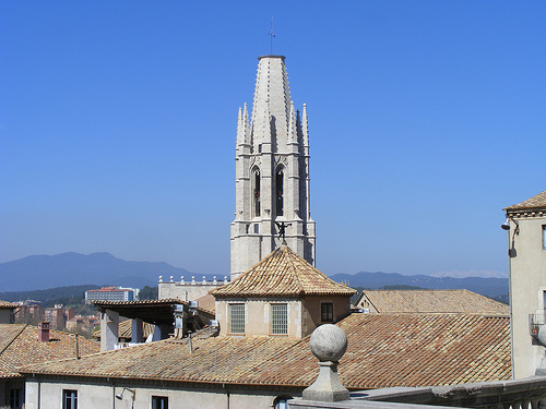 El precioso campanario de la Iglesia de Sant Feliu es ya un clásico del skyline gerundense