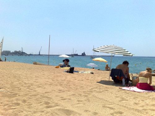 Platja es Monestri, à Sant Antoni de Calonge, Girona, Costa Brava, est une plage très familiale et pleine de services pour les baigneurs