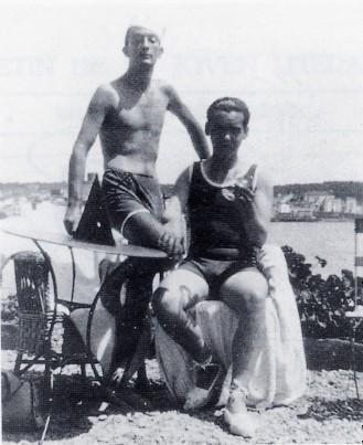Se conservan algunas fotos que muestran las inolvidables estancias que pasó Lorca en Cadaqués, junto a Dalí y su familia