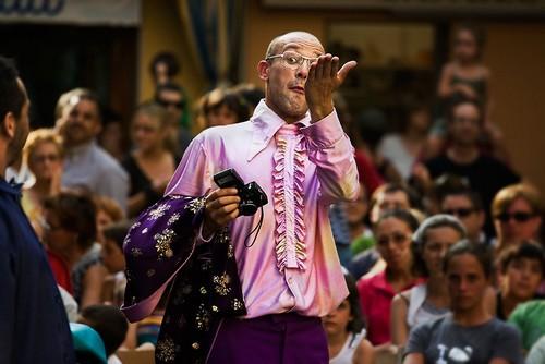 La calidad de las actuaciones es verdaderamente meritoria, incluido también el vestuario. La gran mayoría de participantes en la Feria del Circo son profesionales.