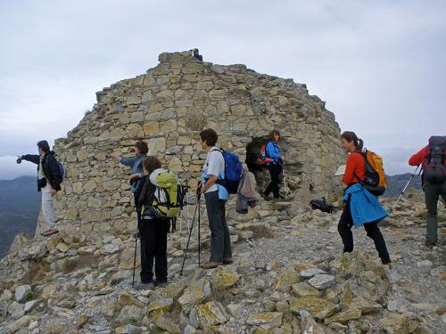 La Torre de Norfeu fue destruida durante una invasión francesa llevada a cabo en el siglo XVII
