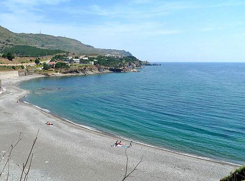 Playa d'en Goixa, en Colera, al norte de la Costa Brava