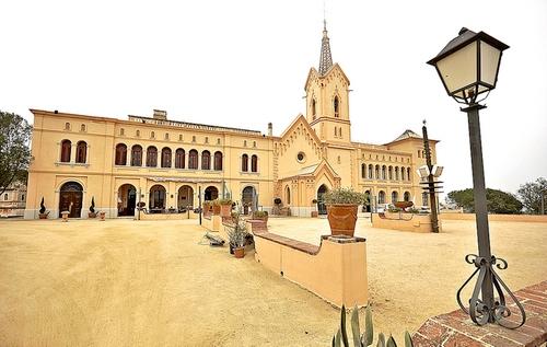 Sant Pere del Bosc es uno de los edificios más históricos de Lloret de Mar, en la Costa Brava