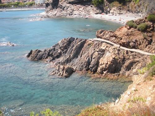 Cala de les Tres Platgetes, en Portbou, Girona, Costa Brava
