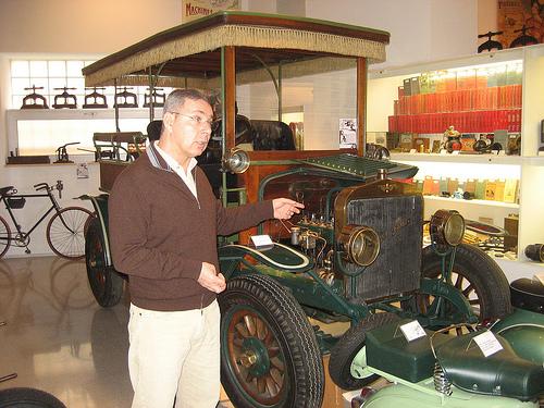 Antiguo coche Hispano-Suiza en el Museo de la Técnica de Figueres