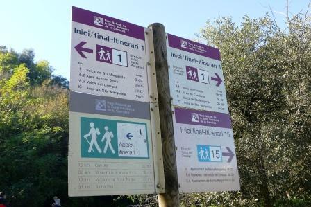 Los itinerarios del Parque Volcánico de la Garrotxa, junto a la Costa Brava, se encuentran bien establecidos. Nosotros tomamos uno de los más frecuentados, el num. 1.