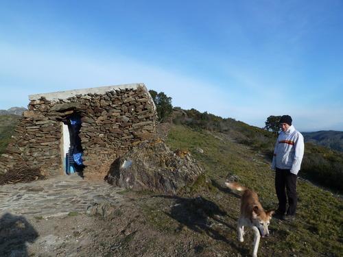 Y finalmente llegamos a la cima del Castillo de Bufalaranya, en Roses, que se encuentra a unos 250 mts sobre el nivel del mar