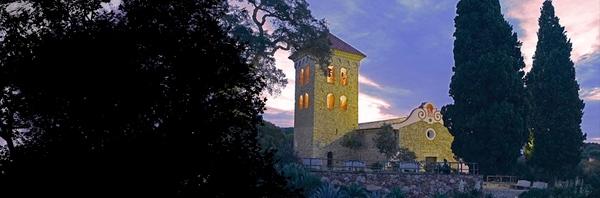Puesta de sol junto a la Ermita de las Alegrías, en Lloret de Mar, Costa Brava
