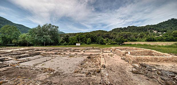 Villa Romana de Vilauba, en la localidad de Camós, a pocos centenares de metros al sur del lago de Banyoles, Costa Brava