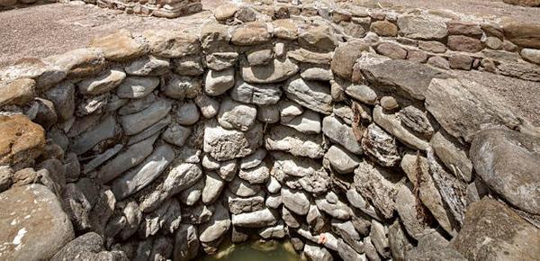 Silo, almacén en el subsuelo de la Villa Romana de Vilauba, para almacenar el grano y otros alimentos