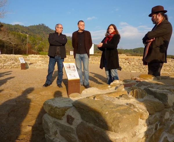 Es posible participar en visitas guiadas al interior de la Vila Romana de Vilauba. Más información en la Oficina de Turismo de Banyoles
